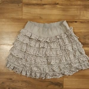 Abercrombie & Fitch Gray Tiered Mini Skirt. Size M